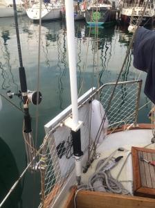 panel solar instalado en un barco
