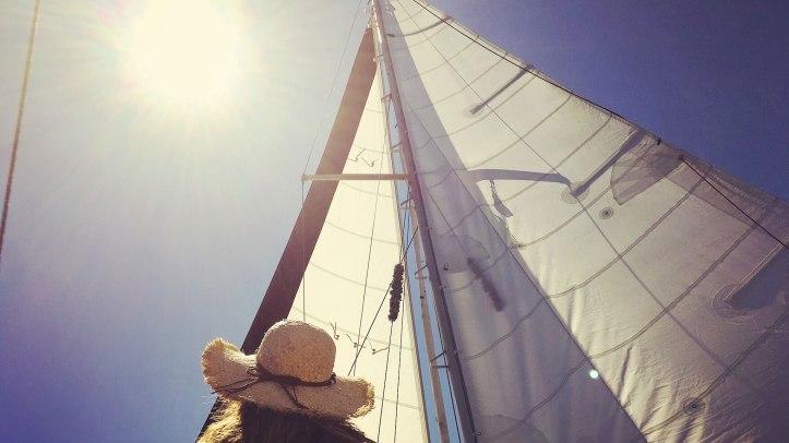 hat-sun-sailing